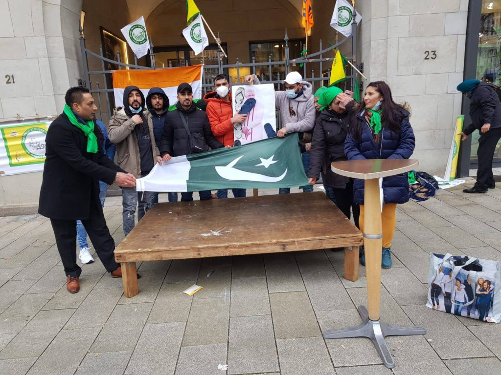 Pakistani flag unfurled at Indian Overseas Congress event, claims BJP
