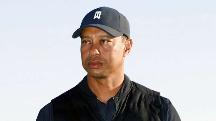 Tiger Woods suffers serious leg injuries after car crash in Los Angeles