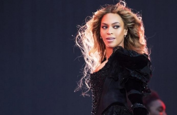 Beyonce pays tribute to fan who died after battling most cancers