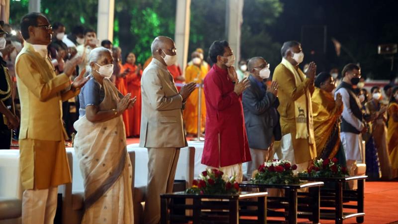 President Shri Kovind attends mahaarti of Maa Narmada